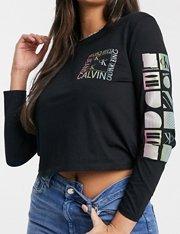 Camiseta negra de manga larga con detalle gráfico de mujer