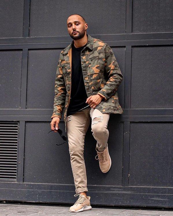 Combinar chaqueta camuflaje hombre