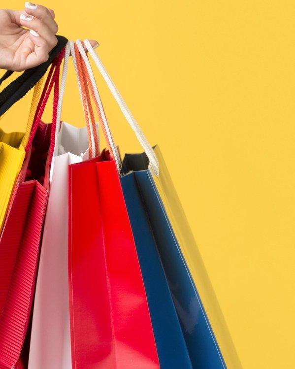 Comprar outfits de hombre baratos bolsas