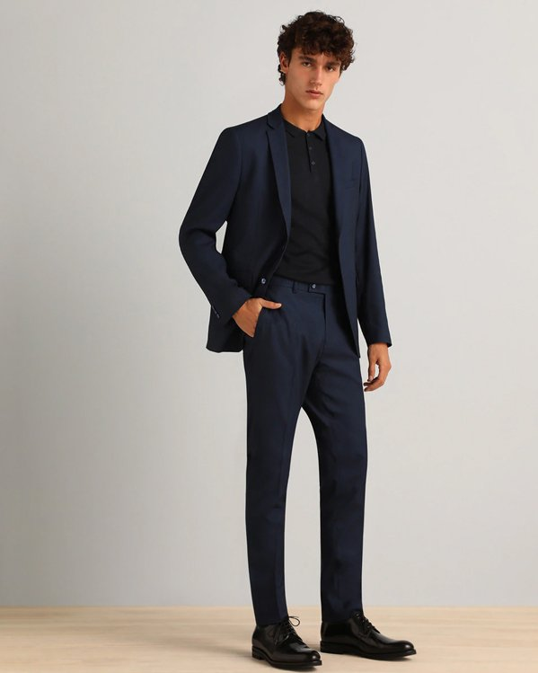 Ideas outfit hombre elegante con traje de chaqueta azul marino