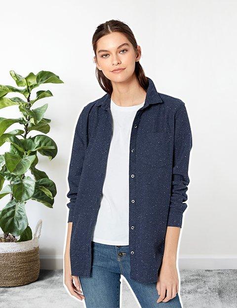Look formal de mujer con camisa de algodón manga larga