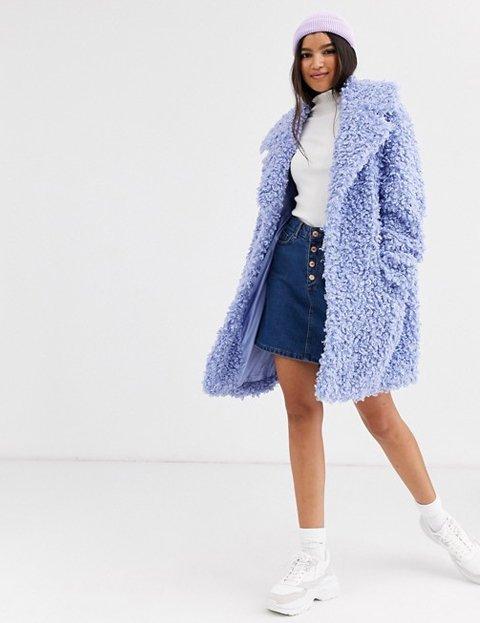 Outfit abrigo azul cielo de borreguito mujer