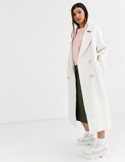 Outfits con abrigo blanco