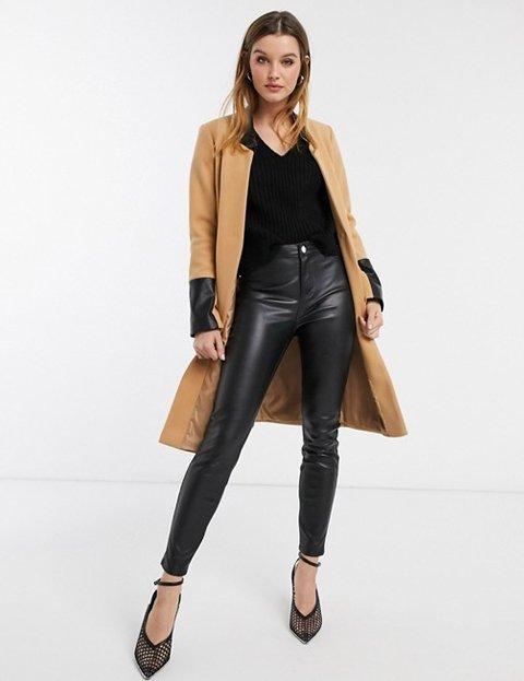 Outfit abrigo camel