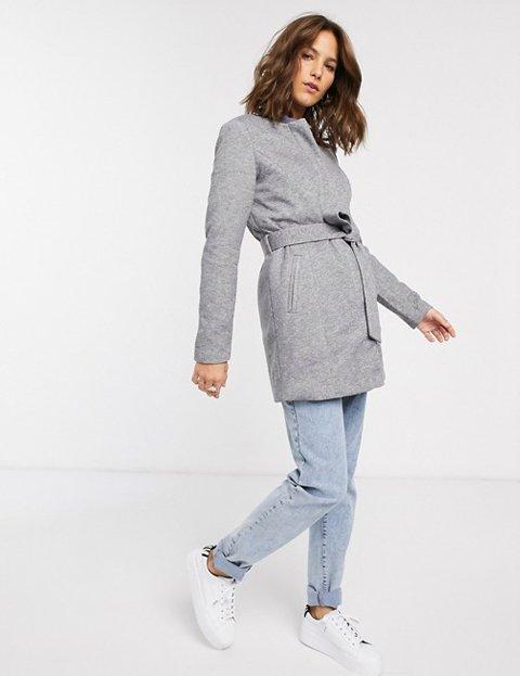 Outfit abrigo gris claro mujer