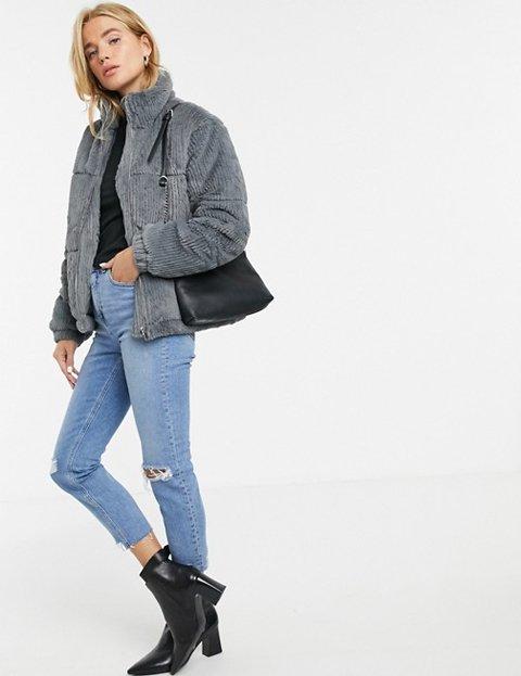 Outfit abrigo gris de pana para mujer
