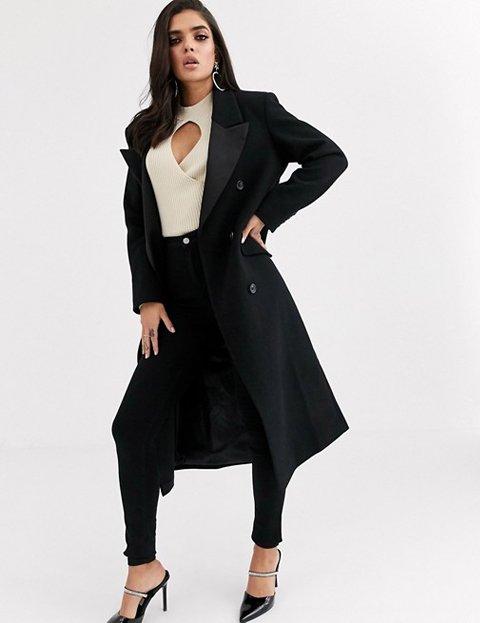 Outfit abrigo negro mujer largo