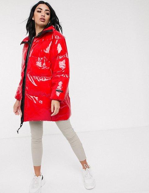 Outfits con abrigo rojo