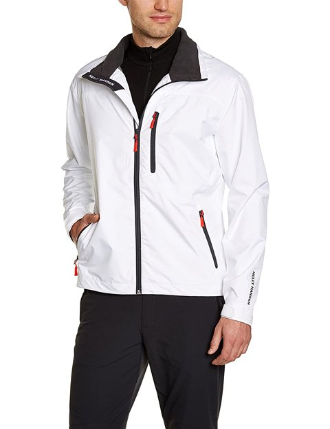 Outfit chaqueta blanca impermeable hombre