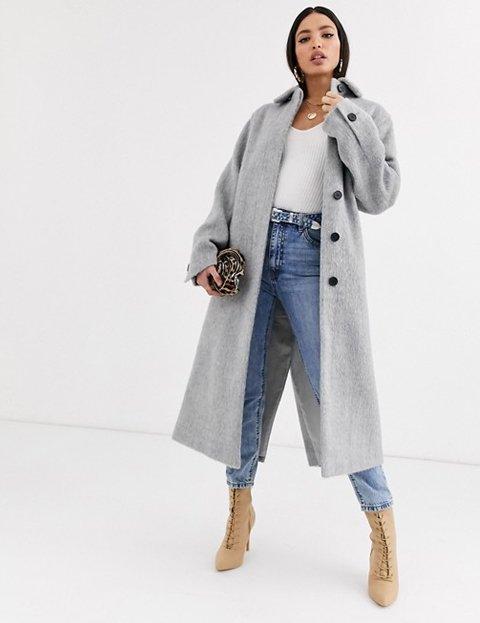 Outfit con abrigo gris mujer