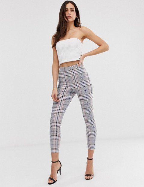 Outfit con leggins a cuadros de mujer