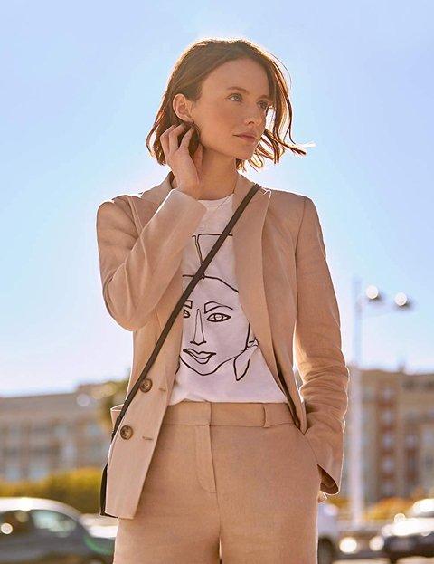 Outfit elegante mujer con chaqueta tipo blazer