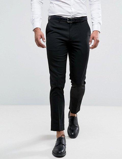 Outfit hombre otoño con pantalón de traje negro slim-fit