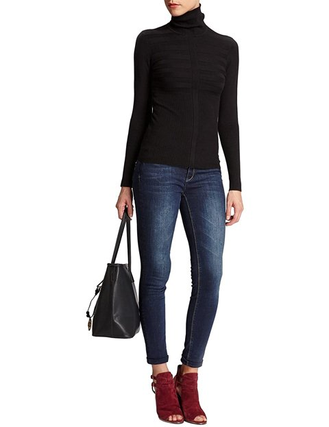 Outfit jersey cuello alto negro para mujer