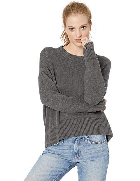 Outfit jersey gris mujer de corte cuadrado y cuello redondo