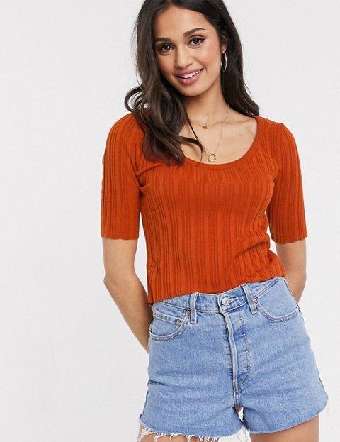 Outfit jersey naranja de manga corta para mujer
