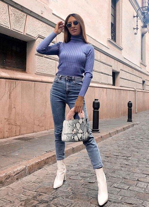Outfit mujer jersey de canalé cuello alto y jeans