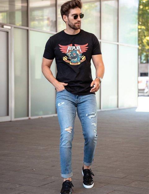 Outfit otoño casual con camiseta para hombre