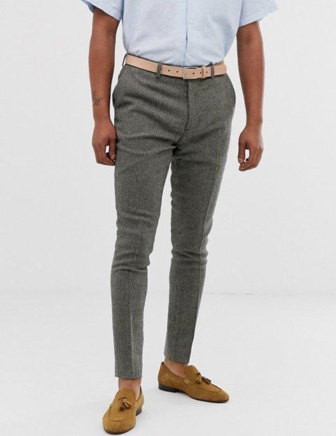 Outfit otoño formal para oficina con pantalón gris de hombre