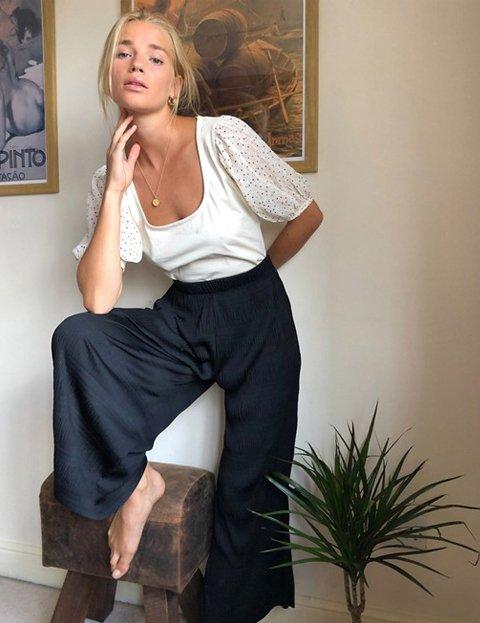 Outfit pantalón negro mujer culotte