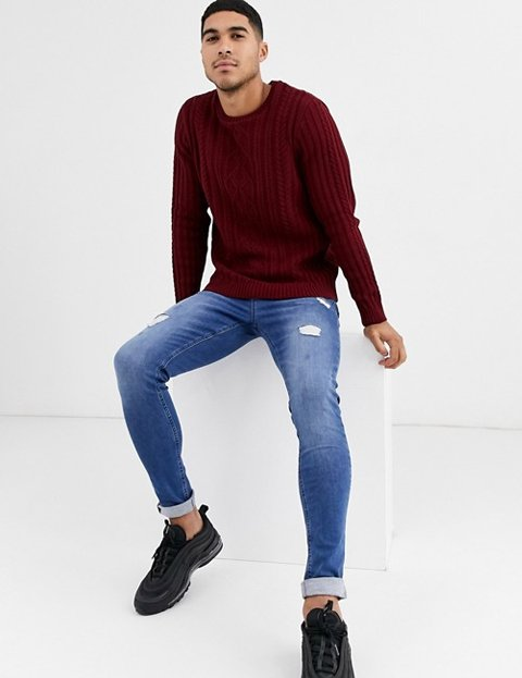 Outfits con jersey rojo hombre